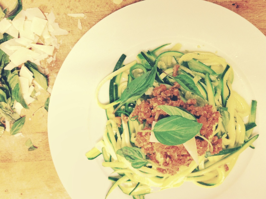 Spaghetti bolognese with zucchini noodles